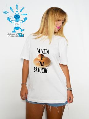 'A vita è 'na brioche, T-Shirt Unisex